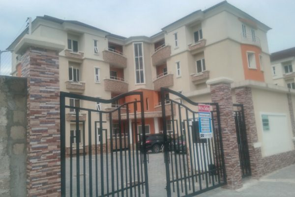 3Bedroom Flat At Riveira Court, Osapa London, Beside Pinnock Beach Estate, off Jakande N2.5m p.a, N330k p.a Service Charge